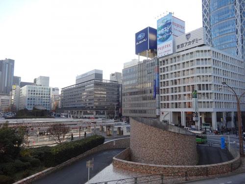 バスターミナル写真(交通機関の例)